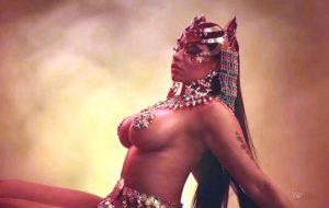 nicki_minaj_hot_5